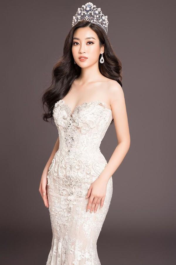Nhan sắc 3 người đẹp ngồi ghế nóng chấm thi Hoa hậu Việt Nam 2018-8