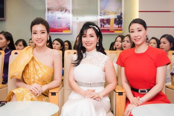 Nhan sắc 3 người đẹp ngồi ghế nóng chấm thi Hoa hậu Việt Nam 2018-1