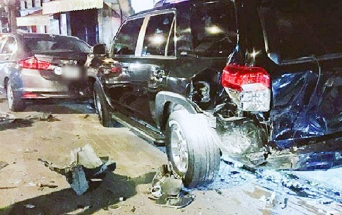 Tài xế lái BMW tông liên hoàn rồi hành động kỳ quặc-2