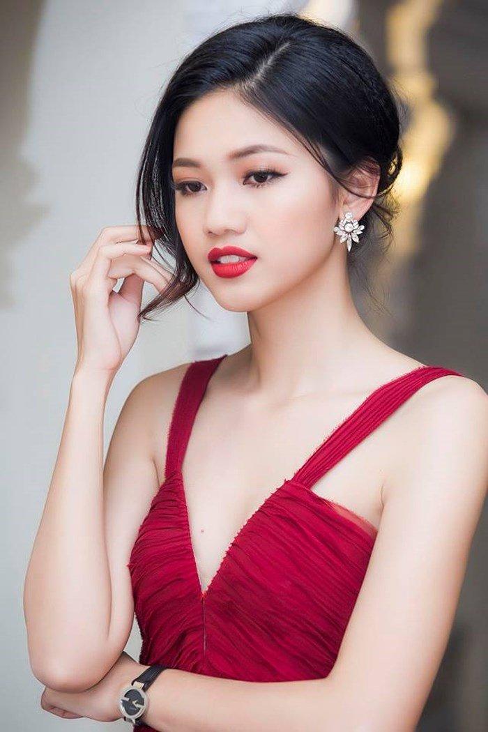 Vẻ gợi cảm của các hot girl VTV từng thi hoa hậu-27