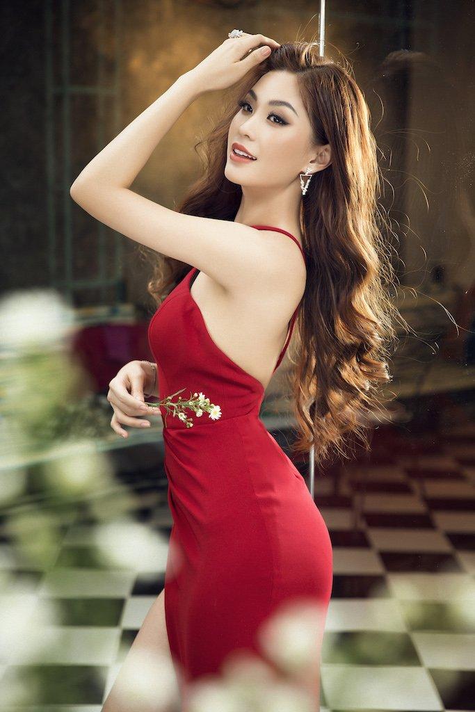 Vẻ gợi cảm của các hot girl VTV từng thi hoa hậu-12