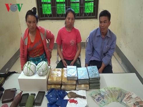 """3 đầu nậu"""" ma túy người Lào mang theo vũ khí nóng đi giao hàng-1"""