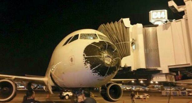 Hành trình khiếp sợ máy bay lao vào tâm bão-2