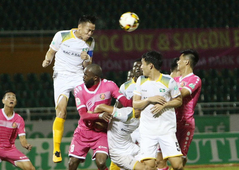 """Sài Gòn FC từ cõi chết"""" trở về nhờ cái duyên ông Khôi?-7"""