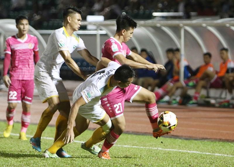 """Sài Gòn FC từ cõi chết"""" trở về nhờ cái duyên ông Khôi?-8"""
