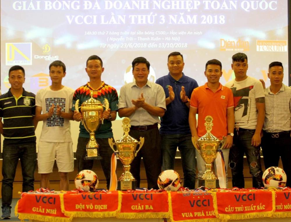 32 đội bóng doanh nghiệp tham gia Cúp VCCI-1