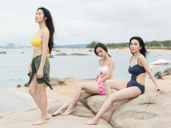 Jun Vũ - Hoà Minzy - Sỹ Thanh khoe dáng nóng bỏng trên biển với bikini-3