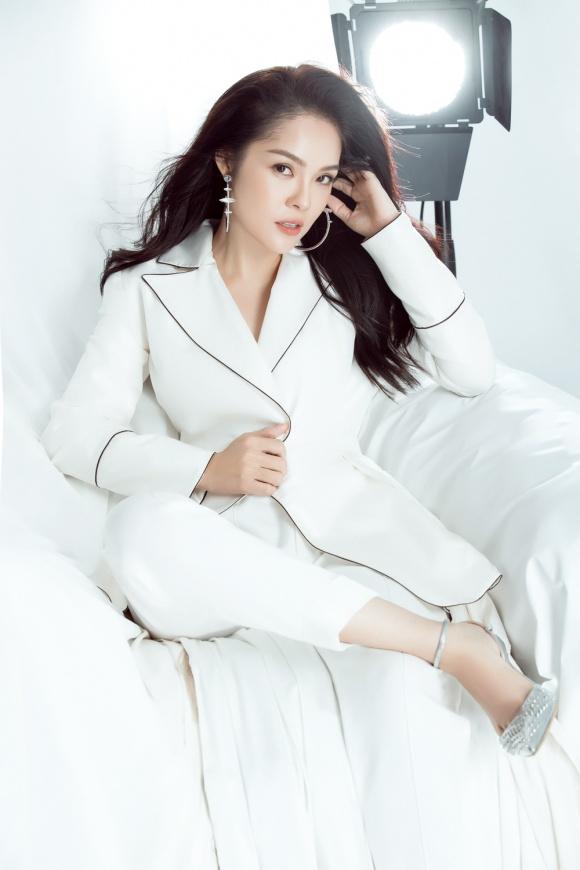 Dương Cẩm Lynh lần đầu lột xác cá tính, gai góc trong bộ ảnh mới-6