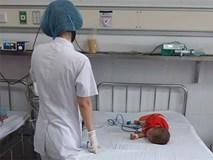 Bé trai 20 tháng tuổi suy kiệt vì mắc HIV