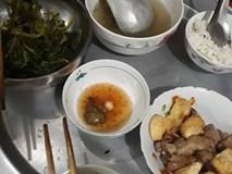 13 năm ăn cơm thiên hạ không bằng một bữa cơm nhà mẹ nấu - bức ảnh mâm cơm đạm bạc chạm vào trái tim hàng ngàn người