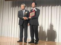 GS. Nguyễn Thanh Liêm nhận giải thưởng Nikkei châu Á