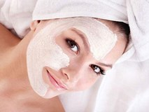 Bỏ thêm thứ này vào bột sắn dây thoa lên mặt, da cứ đẹp lên theo từng ngày