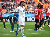 Luis Suarez lại có hành động