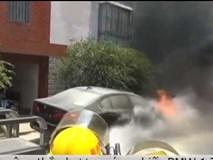 Thắp hương cúng BMW 1,7 tỷ vừa mua, xe cháy thành sắt vụn sau 20 phút