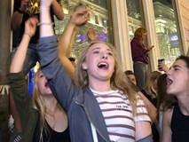 'Bão' thâu đêm của Nga sau chiến thắng: 'Kachiusa' không muốn về nhà