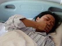 Mảnh giấy bà mẹ đưa vào tay y tá khi tỉnh lại sau sinh, đọc xong chồng rơi nước mắt
