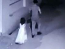 Bị kẻ lạ dụ dỗ đi mua kem, bé gái Ấn Độ bị cưỡng hiếp và sát hại đến biến dạng khuôn mặt