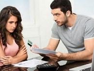 Chồng kiếm 20 triệu/ tháng nhưng chỉ đưa vợ 3 triệu tiền sinh hoạt, còn nói cho 2 mẹ con tiêu thoải mái!