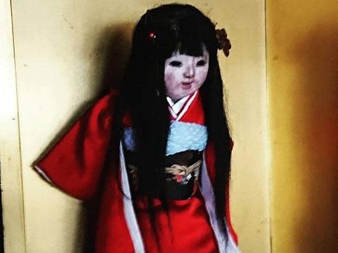 Kỳ lạ chuyện búp bê mọc tóc dài trong ngôi đền cổ ở Nhật Bản