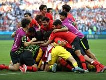 Khoảnh khắc ăn mừng bàn thắng của đội tuyển Hàn Quốc và U23 Việt Nam giống nhau đến kỳ lạ