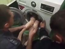 Bố mẹ mải ngủ để hai con tự chơi, bé trai 3 tuổi tử vong thương tâm trong máy giặt