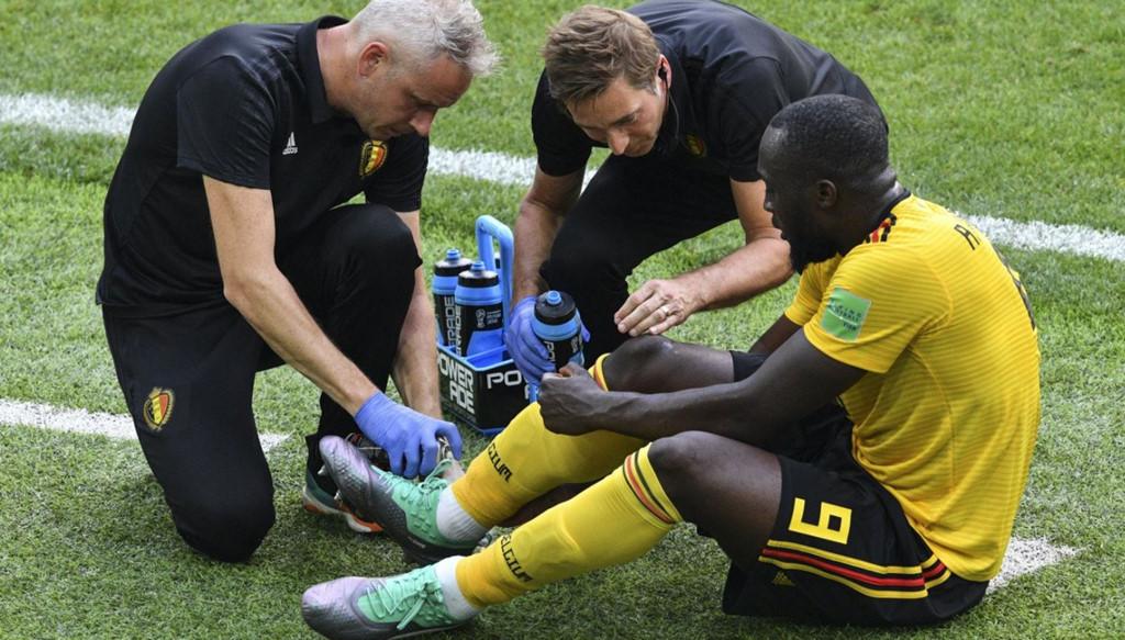 Khoảnh khắc Lukaku động viên cầu thủ Bỉ được so sánh với Messi-9