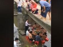 Đây là cách ngồi ăn cỗ mùa nắng nóng