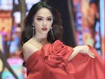 Ngẩn ngơ trước màn catwalk cực thần thái của Hương Giang Idol