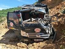 Sập mỏ, 2 xe tải bị vùi lấp cùng tài xế