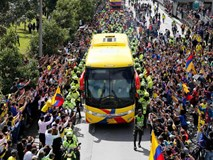 Bị loại sớm, đội tuyển Colombia vẫn được chào đón như nhà vô địch