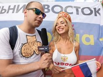 Fan nữ nổi tiếng hứa khoả thân nếu tuyển Nga vô địch World Cup 2018