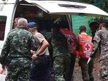Cấm ôm, đụng chạm các cầu thủ Thái Lan vừa được cứu