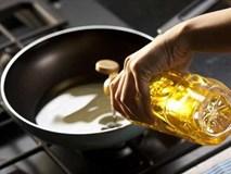 6 sai lầm khi sử dụng dầu ăn hại sức khỏe, điều số 5 ai cũng từng làm một lần
