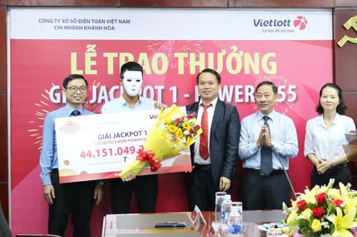 Lộ diện tỷ phú Quảng Bình trúng 44 tỷ Jackpot Power 6/55-2