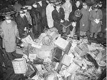 """Cuộc đời kỳ lạ của anh em Collyer: Cuối đời trở thành """"vua ve chai"""" rồi bị chết chìm trong 120 tấn rác"""