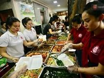 Bữa cơm đủ đầy chỉ với 2.000 đồng cho người lao động nghèo tại Hà Nội