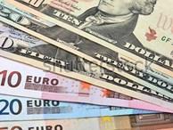 Tỷ giá ngoại tệ ngày 18/7: Thị trường chao đảo, USD tăng vọt