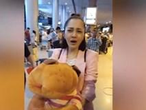 Bảo Anh mặt mộc kém xinh ở sân bay, nhưng biểu tình