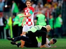 """Nhóm nhạc Nga """"phá đám"""" trận chung kết World Cup lĩnh án tù"""