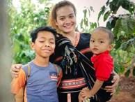 """Cô gái 28 tuổi làm mẹ của 2 đứa trẻ bị bỏ rơi: """"Tôi sống là các con cũng sống"""""""