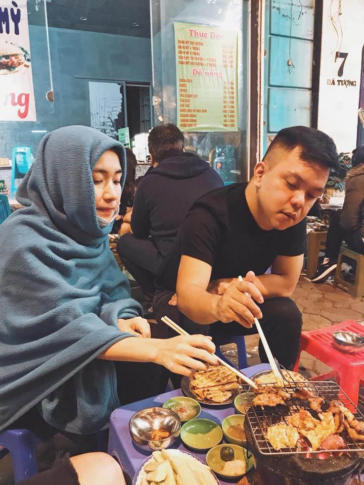 Cười bể bụng với thời trang đi ăn thịt nướng bá đạo của chị đại hoa râm bụt Hòa Minzy-2
