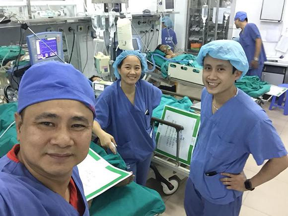 Mẹ danh hài Tự Long nhập viện cấp cứu, phải cắt một quả thận-2