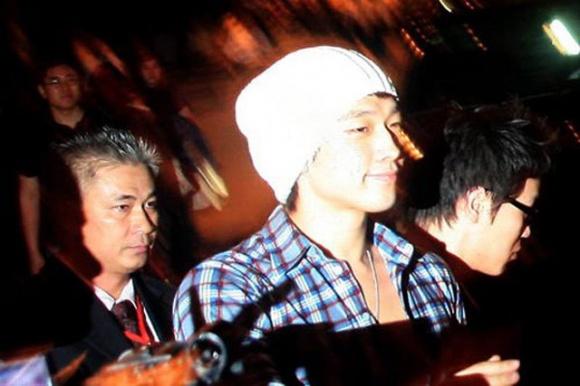 Đời tư kín tiếng của diễn viên Nguyễn Văn Tùng - người kiêm vệ sĩ bảo vệ các ngôi sao nổi tiếng-11