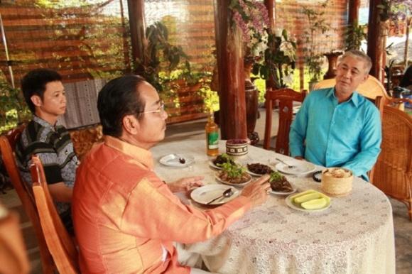 Đời tư kín tiếng của diễn viên Nguyễn Văn Tùng - người kiêm vệ sĩ bảo vệ các ngôi sao nổi tiếng-1