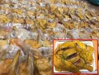 Gà không đầu ủ muối hoa tiêu: Hàng lạ giá rẻ, bày bán la liệt