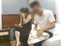 Một cảnh sát giao thông bị bắt quả tang trong nhà nghỉ với cô giáo đã có chồng