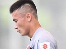 Bùi Tiến Dũng đổi kiểu tóc mới ngày hội quân Olympic Việt Nam