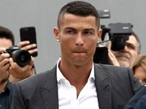 C.Ronaldo bị phạt 19 triệu euro và hai năm tù treo