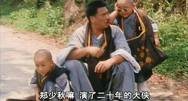 Cuộc sống ở tuổi 65 của bạn diễn Châu Tinh Trì: Già yếu cần người dìu đỡ vẫn bán mạng đóng phim nuôi gia đình-10