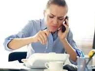 Vì sao bạn không nên ăn trưa tại bàn làm việc?